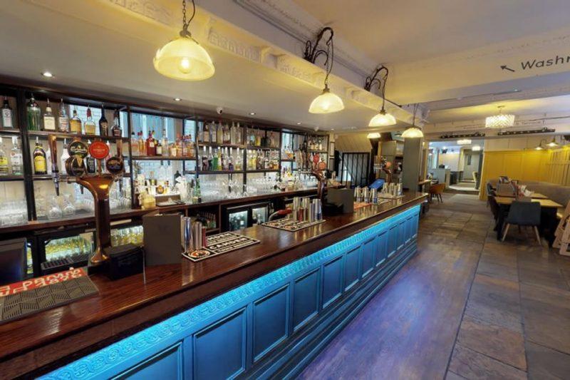 Cinnabar – Bar
